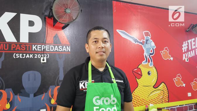 Pemilik Warung KPK di Balikpapan, Kalimantan Timur, Bryan Aditya. (Liputan6.com/ Andina Librianty)
