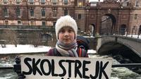 Greta Thunberg (16), gadis muda yang tergugah untuk menjaga kelestarian alam. Greta bahkan menuntut Parlemen Swedia untuk mengatasi perubahan iklim yang semakin parah. Kini, lebih dari 20 ribu siswa tersebar di seluruh dunia mengikuti jejak dirinya. (Instagram/@gretathunberg)