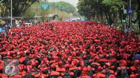 Salah satu pejabat yang getol meramaikan Hari Buruh adalah mantan Presiden Indonesia Susilo Bambang Yudhoyono (SBY).