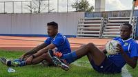 Dua pemain anyar Persib Bandung asal Brasil, Wander Luiz dan Joel Vinicius. (Bola.com/Erwin Snaz)