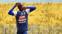 Makan Konate kini jadi top scorer Arema. (Bola.com/Iwan Setiawan)