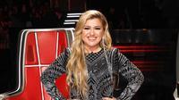 Kelly Clarkson (Instagram/ kellyclarkson foto oleh: @weisseubanks)