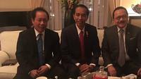 Kedatangan Jokowi di negeri itu disambut oleh mantan rivalnya saat Pilgub DKI Jakarta 2012 lalu, Fauzi Bowo. (Foto: Biro Pers Setpres)