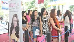 Mereka dengan penampilan cantik  siap menunjukkan bakat di bidang presenting, akting, dan modelling, Bandung, (27/9/14). (Liputan6.com/Panji Diksana)