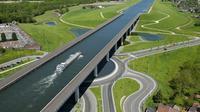 Pont Canal Du Sart (sumber: Reddit)