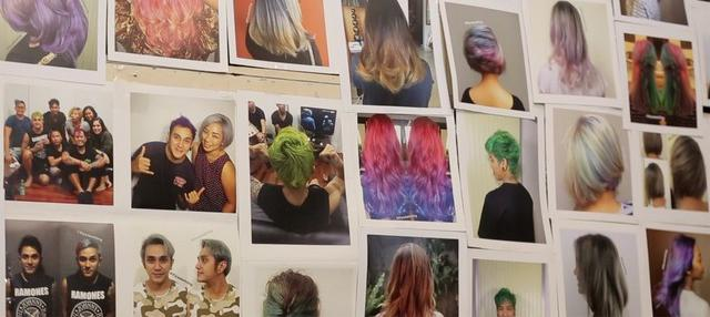 Berawal dari hobi gemar mengecat rambut, akhirnya berubah menjadi rezeki dan bisnis yang menguntungkan.