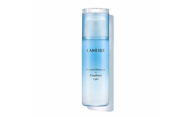 Pelembap: Laneige Essential Balancing Emulsion Light/copyright sociolla.com