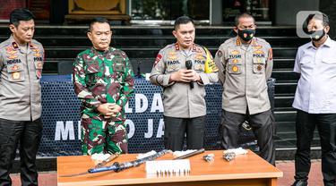 FOTO: Kapolda Metro Jaya dan Pangdam Jaya Beri Keterangan Terkait Penyerangan Petugas
