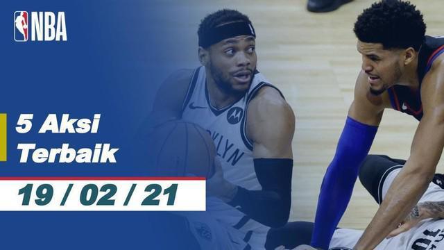 Berita video 5 aksi terbaik NBA hari ini, Jumat (19/2/2021) salah satunya ada slam dunk mematikan dari LeBron James.