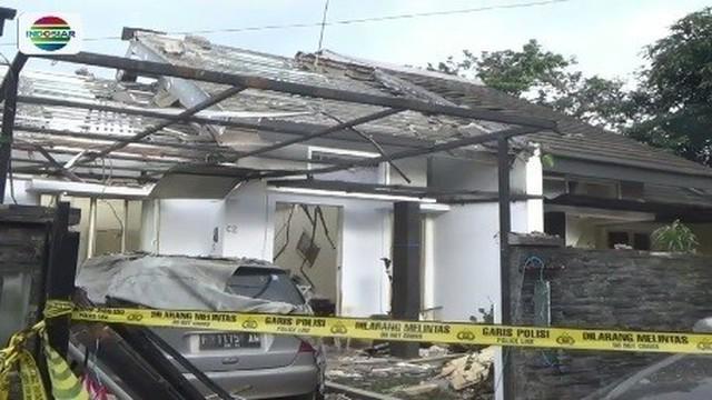 Sembilan rumah di Bogor rusak karena gas meledak. Ledakan gas terjadi akibat selang digigit hewan peliharaan.