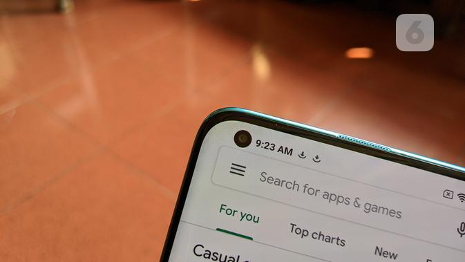 Xiaomi adopsi desain punch hole untuk Mi  10. (Liputan6.com/ Yuslianson)
