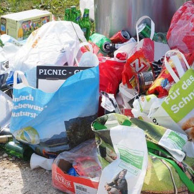unik kurangi penggunaan kantong plastik