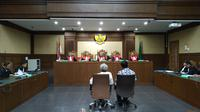 Dua mantan Anggota DPRD Sumut divonis empat tahun penjara. (Merdeka.com)