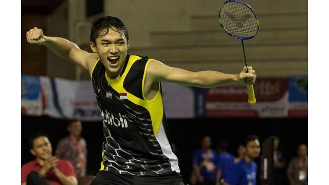 Jonatan Christie yang menjadi juara tunggal putra dalam Kejuaraan Nasional PBSI 2015 di Jakarta bercerita tentang awal mula dirinya menjadi atlet Bulutangkis profesional.