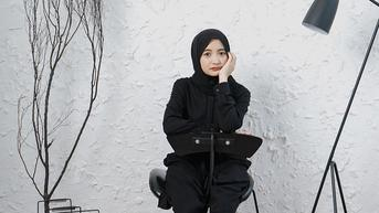 FOTO: Gaya Arafah Rianti Pakai Outfit Serba Hitam, Curi Perhatian