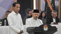 Pasangan Presiden dan Wapres terpilih, Joko Widodo atau Jokowi dan Ma'ruf Amin memberikan sambutan pada Rapat Pleno Terbuka Penetapan Presiden dan Wakil Presiden Terpilih Pemilu 2019 di Gedung KPU, Jakarta, Minggu (30/6/2019). (merdeka.com/Iqbal S Nugroho)