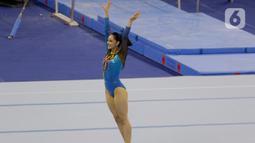 Pesenam Malaysia, Farah Ann, saat beraksi pada nomor all-round individual putri cabang senam SEA Games 2019 di Kompleks Rizal Memorial, Senin (2/12/2019). Atlet cantik ini berhasil menyumbangkan medali emas. (Bola.com/M Iqbal Ichsan)