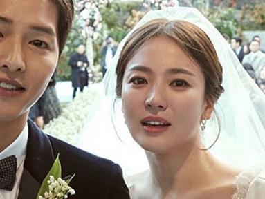 Bahtera rumah tangga Song Joong Ki dan Song Hye Kyo resmi berakhir pada hari ini (22/07/2019) (Liputan6.com/IG/songjoongkionly)