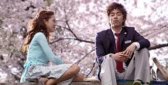 Persahabatan Gong Yoo dan Gong Hyo Jin memang sudah tak perlu diragukan. Tak hanya bersahabat, mereka juga di dalam agensi yang sama yaitu SOOP Management. (Foto: dramafever.com)