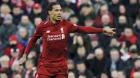 Bek Liverpool, Virgil van Dijk, saat melawan AFC Bournemouth pada laga Premier League di Stadion Anfield, Sabtu (9/2). Liverpool menang 3-0 atas AFC Bournemouth. (AP/Rui Vieira)