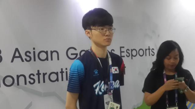 Lee Sang-hyeok (kiri) alias Faker, atlet e-sports handal Korea Selatan di nomor League of Legends.