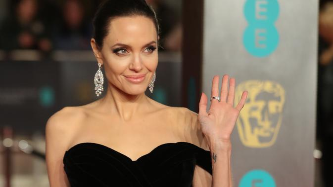 Angelina Jolie Ingin Langsing dengan Video Game
