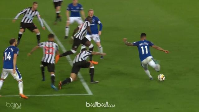 Everton meraih kemenangan tipis 1-0 atas Newcastle dalam lanjutan laga EPL, Selasa (24/4). Satu-satunya gol kemenangan pasukan Sam...
