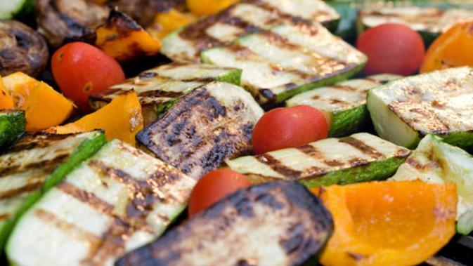 Selain kualitas bahan makanan yang perlu diperhatikan untuk menciptakan makanan sehat bergizi. Teknik memasak pun penting diperhatikan.
