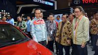Presiden Jokowi berada di booth Toyota IIMS 2018 (Toyota)