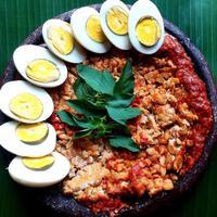 ilustrasi Resep Tempe Goreng Penyet Sambal Tomat/Photo By novistar (Shutterstock)