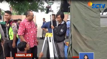 Pengeboran dilakukan Tim Geologi dari Institut Teknologi Sepuluh November sedalam 30 meter untuk mengambil sample lapisan tanah.