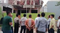 Bangunan roboh di Jakarta Utara. (Liputan6.com/Ady Anugrahadi)
