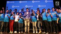 CEO Dana, Vincent Iswara foto bersama usai memberi penjelasan tentang DANA Jakarta, Rabu(21/3). DANA, Dompet Digital Indonesia merupakan sebuah layanan dari perusahaan rintisan (start up) di bidang teknologi finansial. (Liputan6.com/Angga Yuniar)