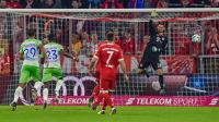 Bayern Munchen haru puas bermain 2-2 kontra VfL Wolfsburg pada pekan keenam Bundesliga, di Allianz Arena, Kamis (22/9/2017). (AFP/Guenter Schiffmann)