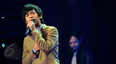 """Jejeran Musisi di Konser """"Tribute to Rinto Harahap"""""""