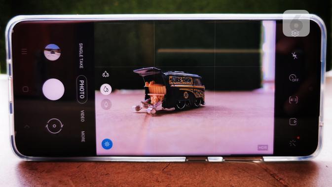 Ilustrasi memotret dengan kamera Samsung Galaxy S20 Ultra. Liputan6.com/Mochamad Wahyu Hidayat