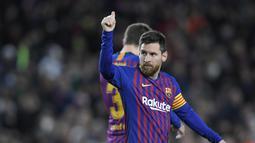 1. Lionel Messi (Barcelona) - 17 gol dan 10 assist (AFP/Lluis Gene)