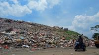 Tempat Pembuangan Akhir (TPA) Cipayung sudah melebihi kapasitas untuk menampung sampah di Kota Depok.