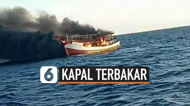 kapal pencari cumi terbakar thumbnail