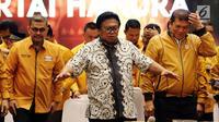 Ketua Umum Partai Hanura Oesman Sapta Odang (kanan) saat rapat koordinasi bersama Ketua DPD Partai Hanura se-Indonesia di Jakarta, Rabu (6/6). Rapat membahas komunikasi dan koordinasi DPD Partai Hanura se-Indonesia. (Liputan6.com/JohanTallo)