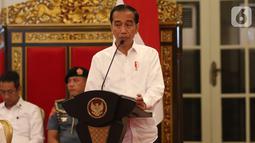 Presiden Joko Widodo (Jokowi) memberikan arahan ketika memimpin Sidang Kabinet Paripurna di Istana Negara, Jakarta, Kamis (3/10/2019). Topik Sidang Kabinet Paripurna tersebut  yakni Evaluasi Pelaksanaan RPJMN 2014-2019 dan Persiapan Implementasi APBN 2020. (Liputan6.com/Angga Yuniar)