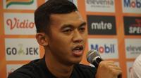 Gelandang Persib Bandung Abdul Aziz. (Liputan6.com/Huyogo Simbolon)