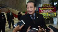 Wakil Ketua DPR RI Taufik Kurniawan tidak setuju mengenai adanya unsur keterwakilan partai politik dalam struktur komisioner KPU.