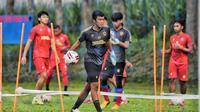Kiper Arema FC, Utam Rusdiana. (Bola.com/Iwan Setiawan)