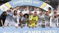 Real Madrid juara Piala Super Spanyol setelah mengalahkan Barcelona 2-0, pada Kamis (17/8/2017) dinihari WIB. (AFP / JAVIER SORIANO)
