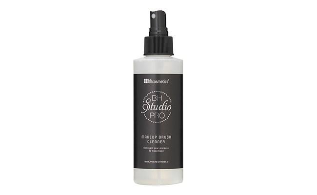 BH Cosmetics Studio Pro Makeup Brush Cleaner/copyright pexels.com