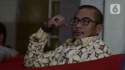 Komisioner KPU Pusat, Hasyim Asy'ari menunggu untuk menjalani pemeriksaan oleh penyidik di Gedung KPK, Jakarta, Jumat (24/1/2020). Hasyim diperiksa sebagai saksi terkait kasus dugaan penerimaan hadiah atau janji penetapan anggota DPR Terpilih 2019-2024. (merdeka.com/Dwi Narwoko)