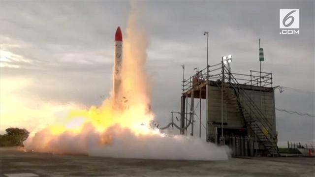 Roket yang dikembangkan oleh perusahaan startup Jepang, Interstellar Technologies, meledak beberapa detik setelah lepas landas.