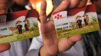 Petani di Kota Cimahi, Jawa Barat terus didorong memanfaatkan kartu tani untuk membeli pupuk bersubsdi.