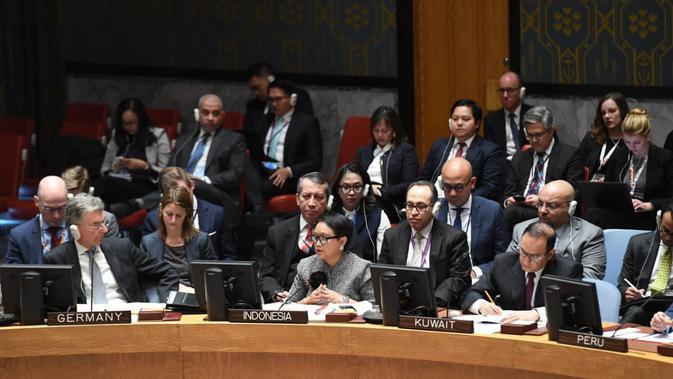 Menteri Luar Negeri RI Retno Marsudi (tengah) dalam Debat Terbuka Dewan Keamanan PBB (DK PBB) di New York, 22 Januari 2019 (kredit: Kemlu RI)